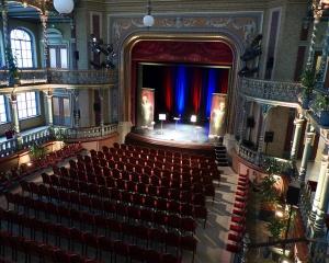 theater-kurhaus-kursaal-bauchrednershow